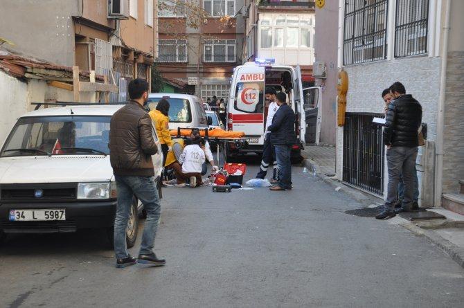 Baba ile oğlu sokak ortasında öldürüldü