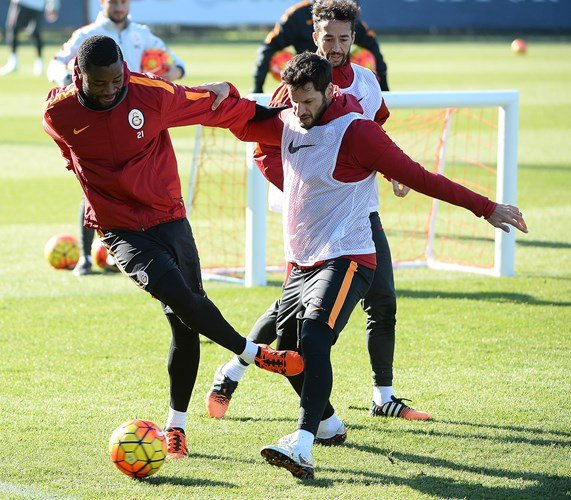 Galatasaray'da Kayserispor maçının hazırlıklarına ara verilmeden başlandı