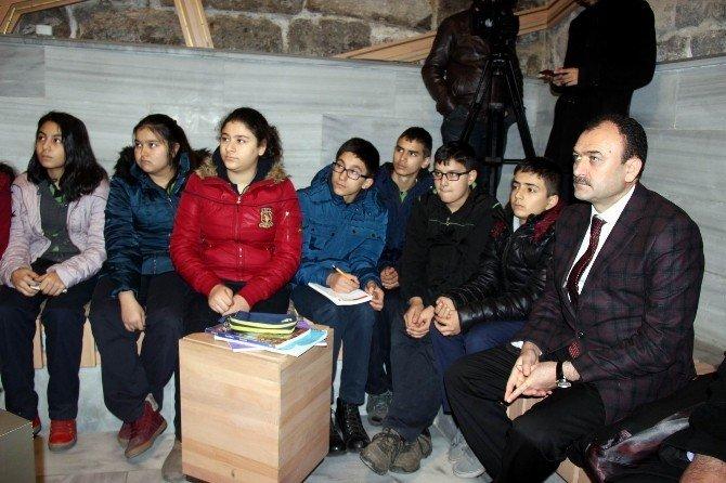 Minik Öğrenciler Tarihi Müze De Ders İşledi