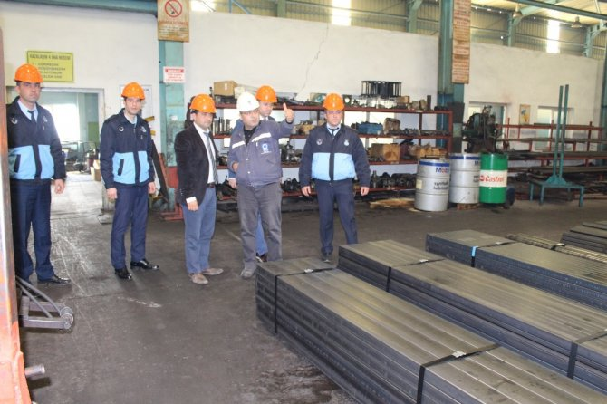 Büyükşehir çevre denetim ekibi fabrikaları geziyor