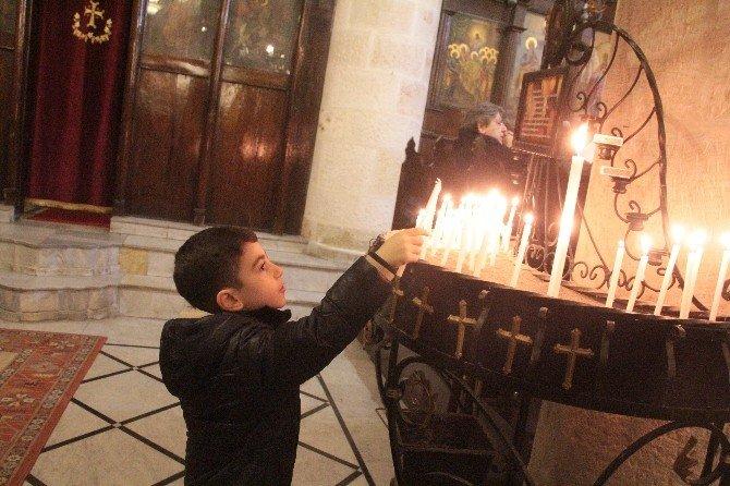 Hatay'da Yaşayan Hristiyanlar Barış İçin Dua Etti
