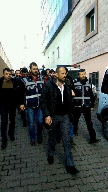Kayseri'deki Huzur Operasyonunda Gözaltına Alınanlar Adliyeye Sevk Edildi