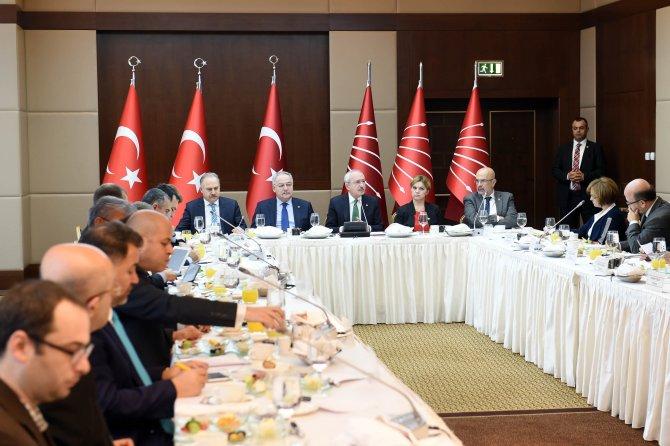 Kılıçdaroğlu, gazetecilere 2015 yılını değerlendirdi