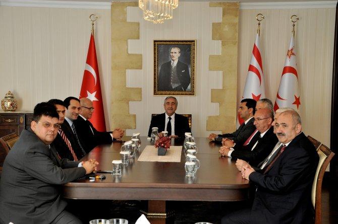 Akıncı, siyasi partileri Kıbrıs konusunda bilgilendirdi