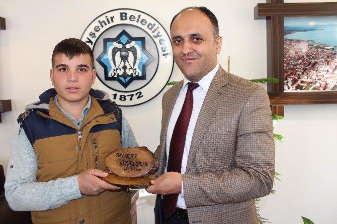 Lise Öğrencilerinden Başkan Özaltun'a Ziyaret