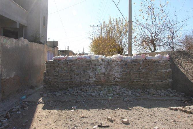 Nusaybin'de yasaktan geriye her yerdeki kurşun izleri kaldı