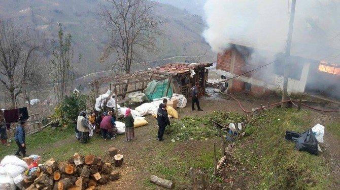 Kabadüz'de Ev Yangını