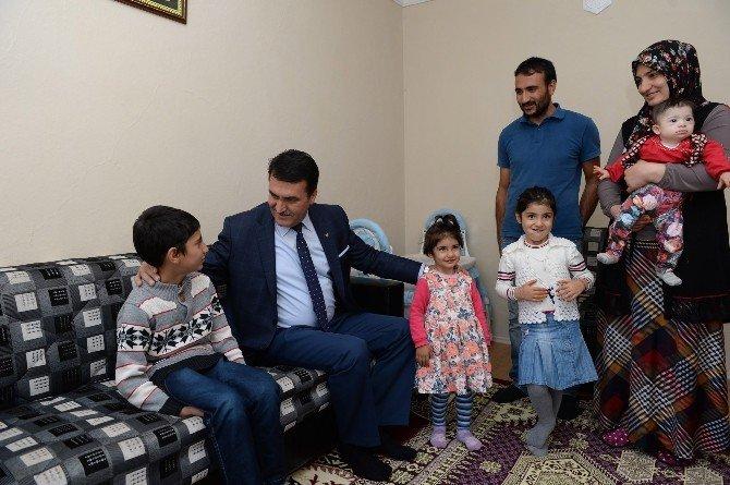 Osmangazi Belediyesi İhtiyaç Sahiplerinin Yüzünü Güldürüyor