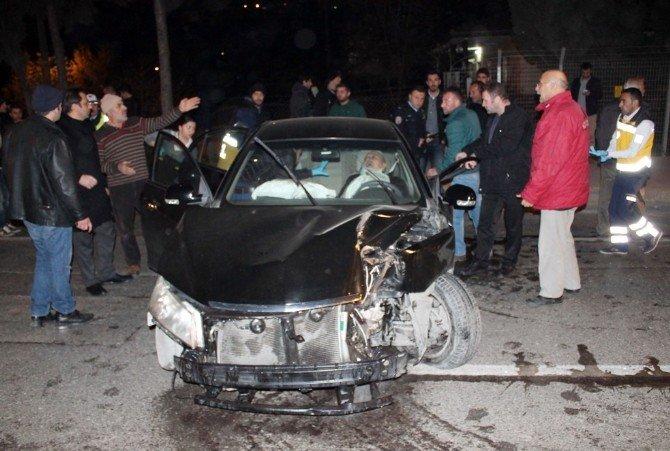 Yola Dökülen Yağ, Kazaya Neden Oldu: 3 Yaralı