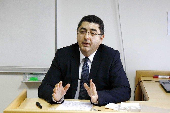 """SAÜ'de """"Dünya Tarihinde Selçuklular"""" İsimli Konferans Düzenlendi"""