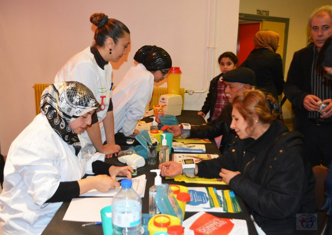 Fransalı Türk doktorlardan sağlık ve eğitim seferberliği