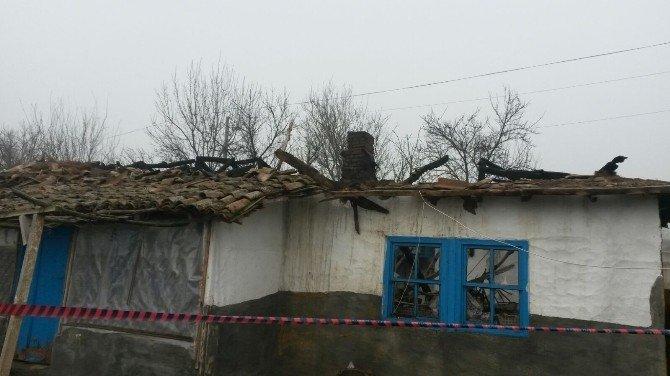 Yangın Yaşlı Kadını Evsiz Bıraktı