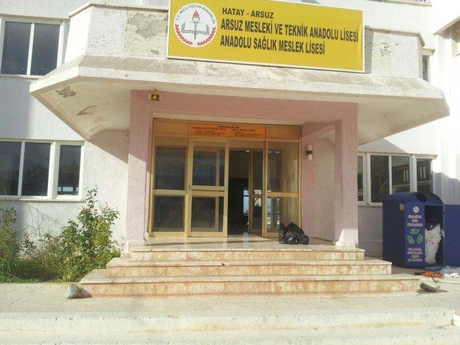 Türk Eğitim-Sen, sağlıksız binada eğitime tepki gösterdi