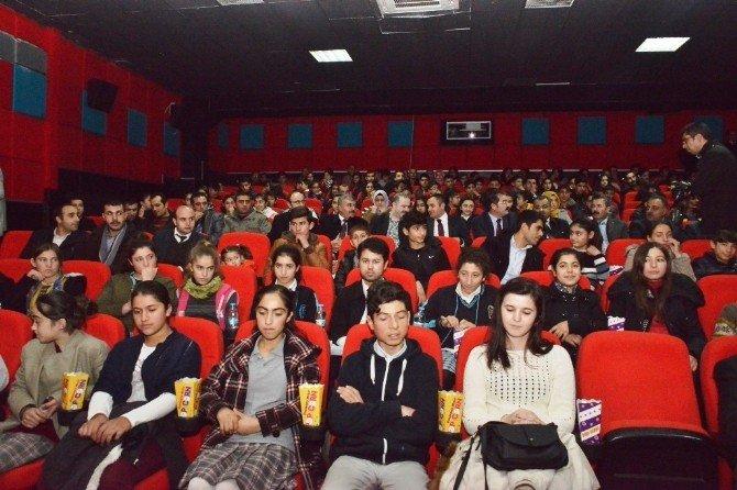 Tuşba Belediyesi'nden Başarılı Öğrencilere Ödül
