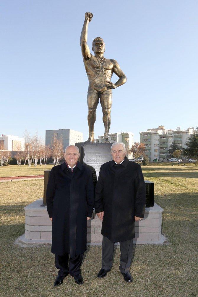 Olimpiyat, dünya, Avrupa şampiyonu eski milli güreşçi Ayık'ın adı parka verildi