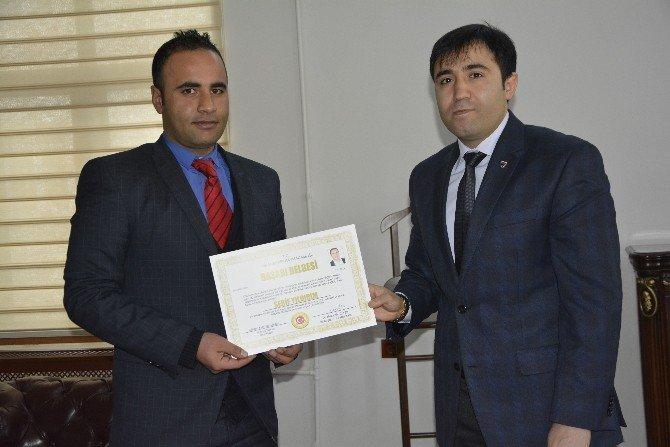 Kaymakam Citer Başarılı Okul Müdürleri Ödüllendirdi