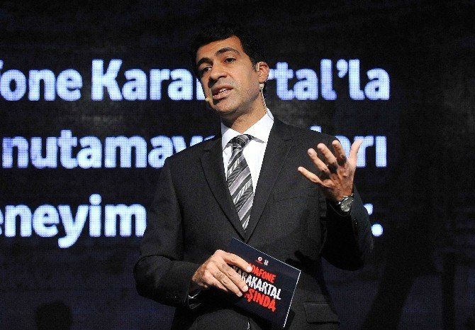 Beşiktaş Vodafone Kara Kartallar'ın 1. Yaşı Kutlandı
