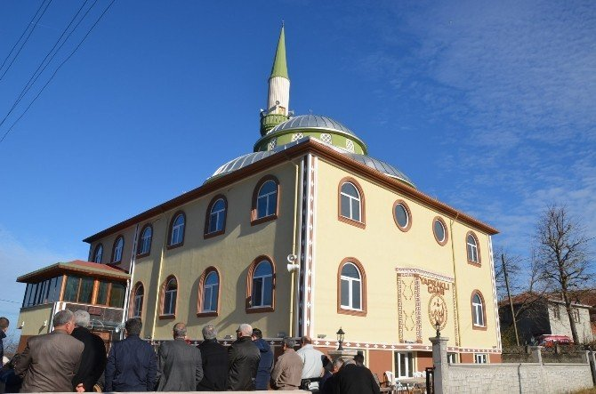 Yapraklı Camisi İbadete Açıldı