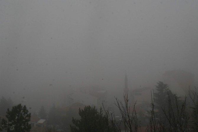 Yozgat'ta sis hayatı olumsuz yönde etkiliyor