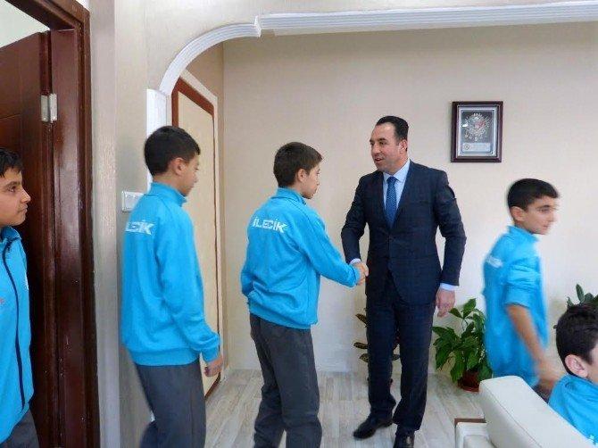 Bilecikli Hentbolcular Muğla'nın Ortaca İlçesine Uğurlandı
