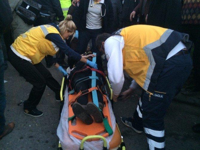 Dolmuşun Çarptığı Yaşlı Kadın Yaralandı