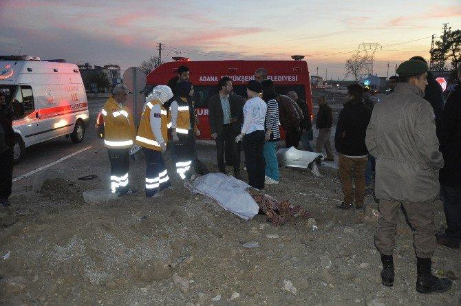 Yolcu Minibüsü İle Otomobil Çarpıştı: 2 Ölü, 3 Yaralı