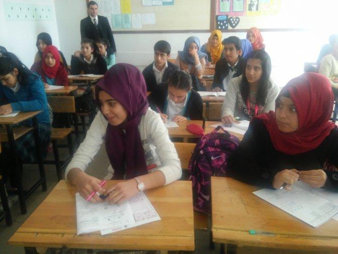 Kahta'da öğrencilere yönelik kazanım sınavı düzenlendi