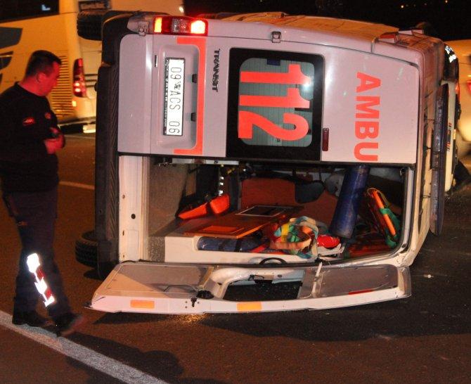 Aydın'da hasta taşıyan ambulans devrildi: 5 yaralı