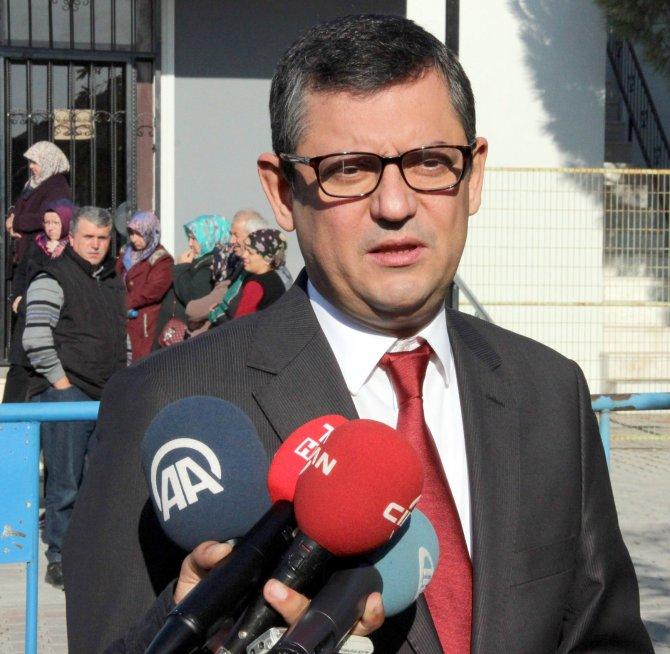 CHP'li Özel: Hükümet tutuklu sanıkların ne kadar arkasında durduğunu gösterdi