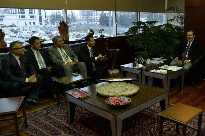 CHP Odunpazarı Yeni Yönetimi Başkan Ataç'ı Ziyaret Etti