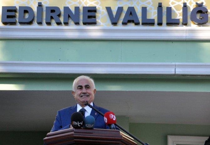 Edirne'nin renkli valisi 'elveda' diyerek ayrıldı
