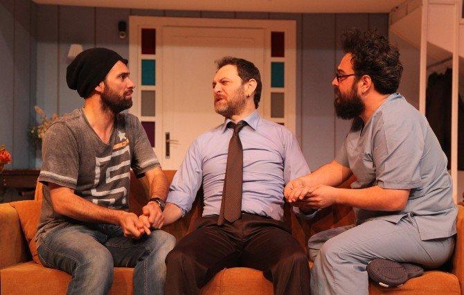 Şehir Tiyatroları'ndan Kahkaha Dolu Bir Komedi