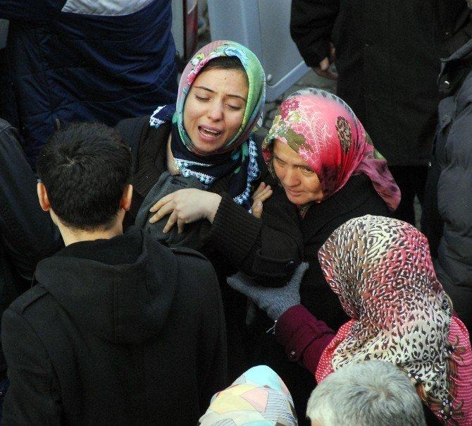 İstanbul'da Cinayete Kurban Giden Mühendis Memleketi Zonguldak'ta Toprağa Verildi