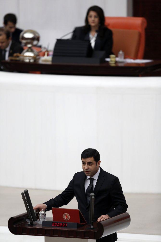 Selahattin Demirtaş, Meclis'te yemin etti