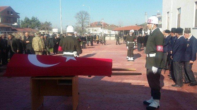 Kore Gazisine Askeri Tören