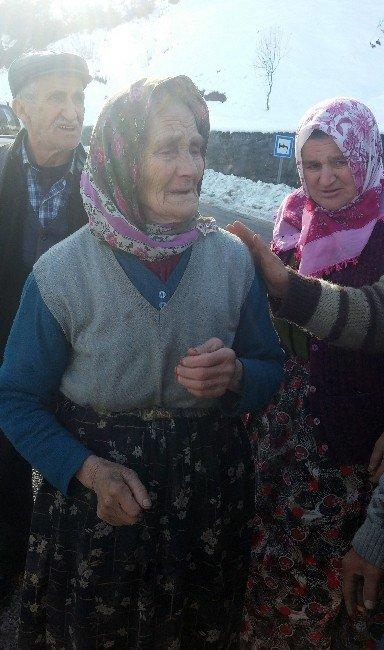 Evi Yanan Yaşlı Kadına, Kadir Topbaş Yardım Elini Uzattı