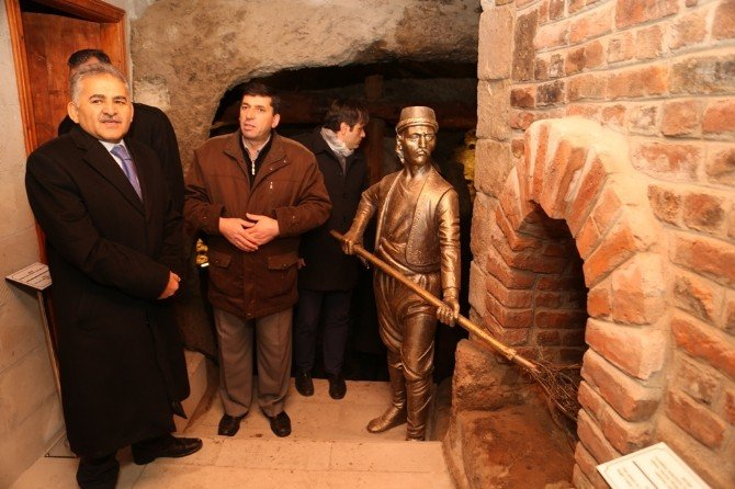 Başkan Büyükkılıç Restorasyonu Tamamlanan Germir Bezirhanelerinde