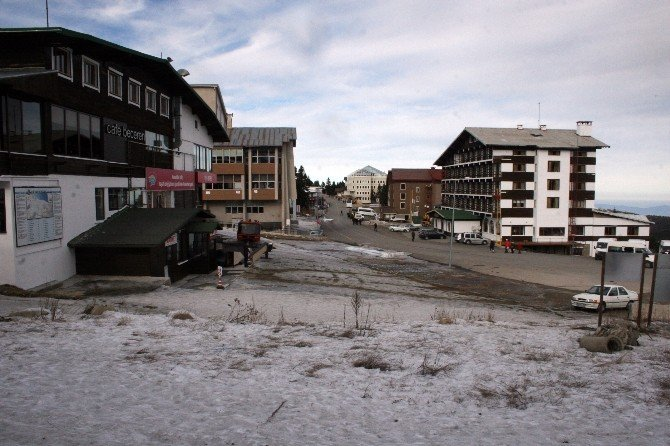 Uludağ'da Yeni Yıl Öncesi Kar Sıkıntısı