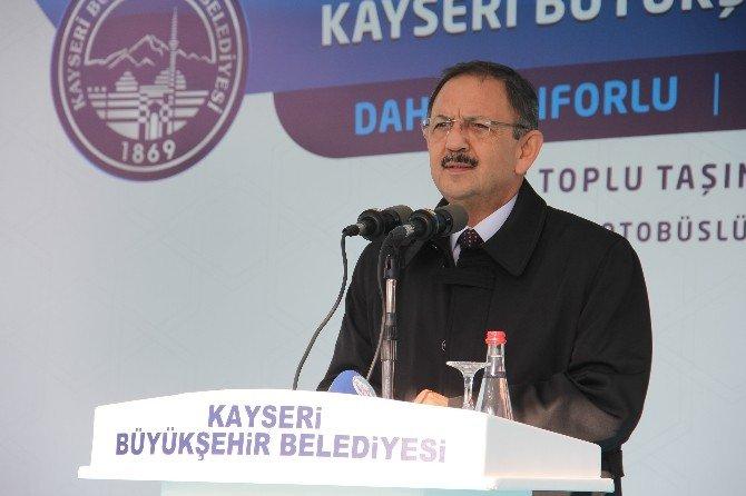 Kayseri'de Topluma Taşıma İçin Alınan 50 Otobüslük Yeni Filonun 24 Araçlık İlk Parti Teslim Töreni Yapıldı