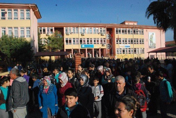 Veliler Yakılan Okulun Öğrencilerini İstemedi