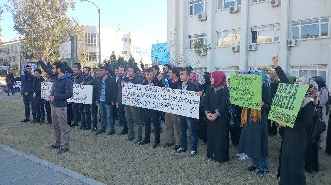 AK Parti'li Gençlerden ODTÜ Protestosu