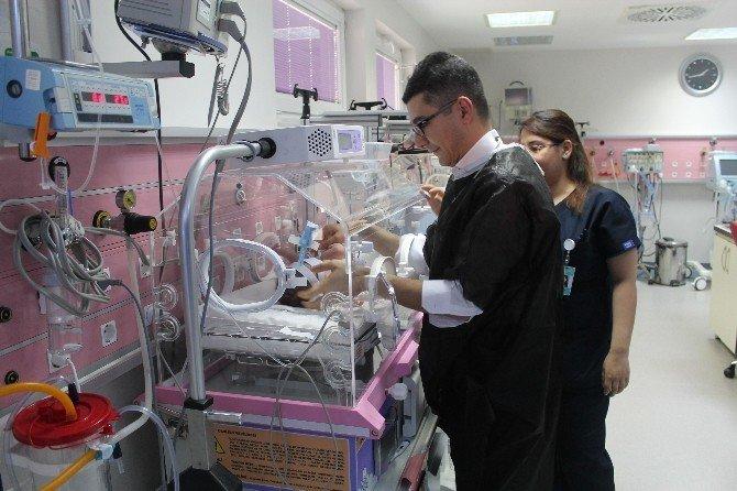 Yenidoğan Bakım Ünitesinde Prematüre Bebekler Can Buluyor