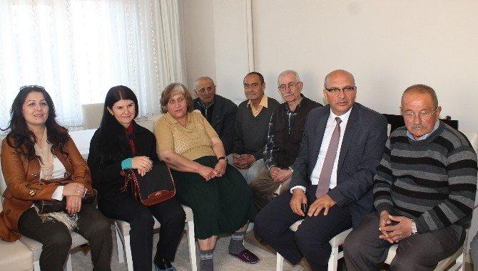 Hülya Çiçek'ten Yaşlılara Ziyaret