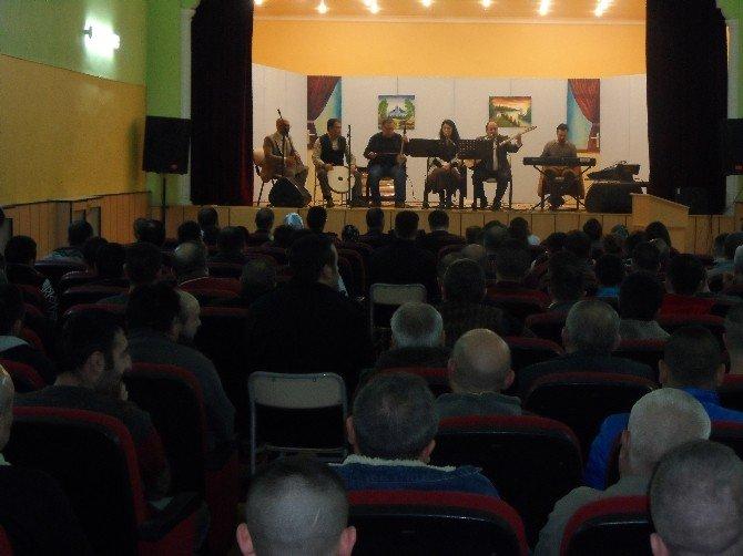 Yozgat Cezaevinde Kalan Mahkumlar Verilen Konser İle Moral Buldu