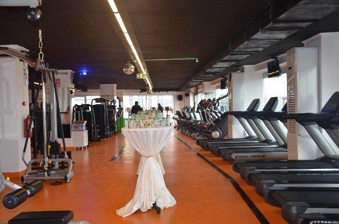Bilecik'te Fitness Clubünü Milletvekiller Açtı