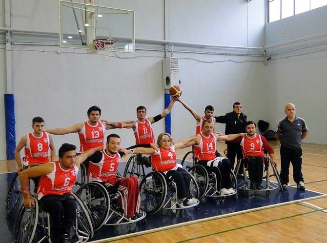 Iraklı Engelli Genç Samsun'da Hayata Yeniden Tutundu