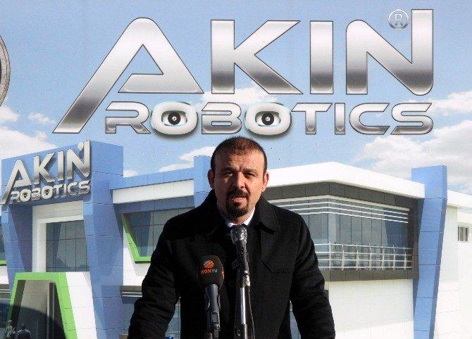Hostes Ve Garson Robotlar Geliyor