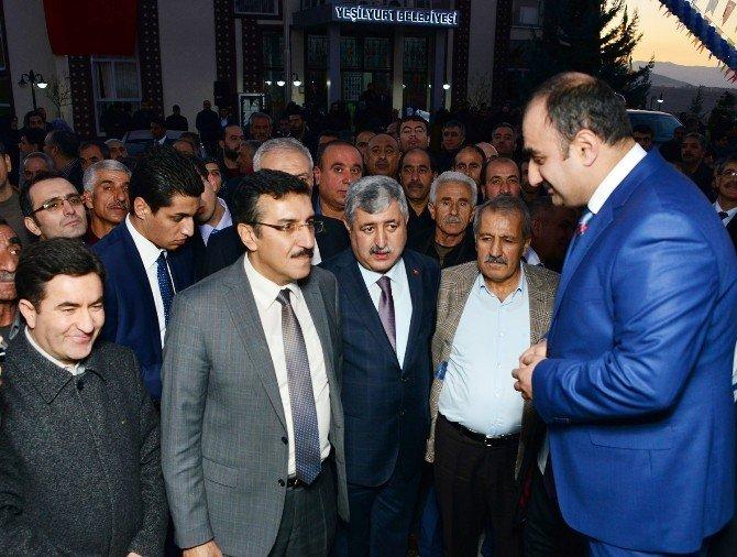 """Bakan Tüfenkci: """"Yeşilyurt Baba Ocağım"""""""
