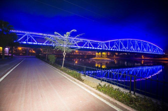 Adana'nın tarihi köprüleri ışıklandırılıyor