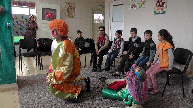 Çocuklara Animasyon Gösterisi
